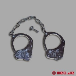 Clejuso Shackles No. 8