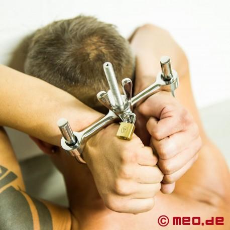 Bullone della mano e del braccio Bagno