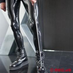 HURTME : DeLuxe Gerte aus Stahl