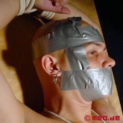 Bondage : Panzerklebeband