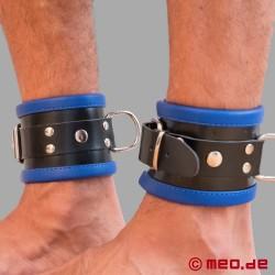 Schwarz / Blaue Bondage Fußfesseln aus Leder