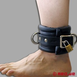 Entraves de chevilles verrouillables avec cadenas à minuterie – bien rembourrées