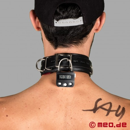 Lockable BDSM leather collar with time lock