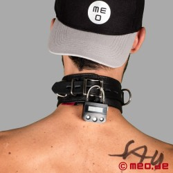 Lockable leather bondage collar with time lock