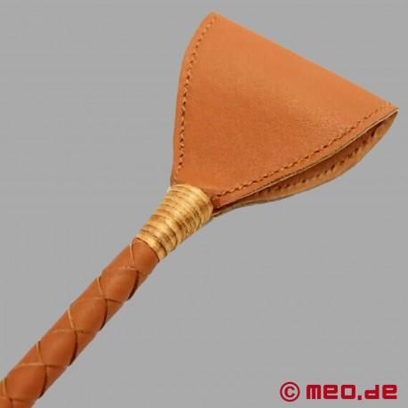 Cravache marron du Dr. Sado par MEO®