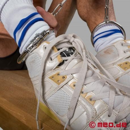 Fußfesseln aus Stahl mit Zahlenschloss