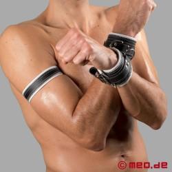 Code Z Oberarmband aus Leder in schwarz/weiß