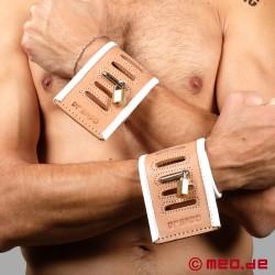 Entraves de poignets du Dr. Sado – Entraves d'hôpital