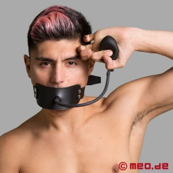 Mouth mask with inflatable gag