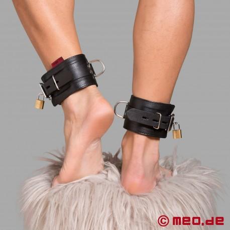 Manette per caviglie bondage richiudibili in pelle