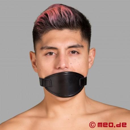 Masque buccal avec un bâillon à balle rouge