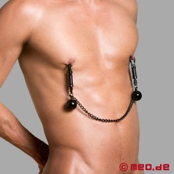 Nipple clamps with weights and chain