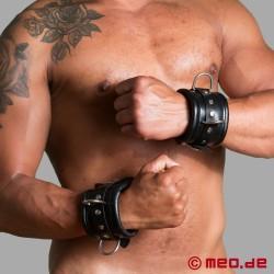 Abschließbare Handfesseln BLACK BERLIN aus echtem Leder
