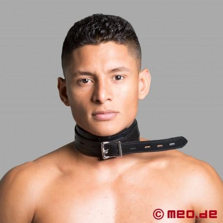 Bondage-Halsband mit Nasenhaken