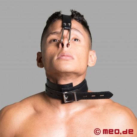 Collare bondage con gancio per naso