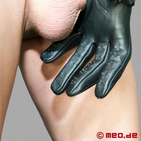 Gants Slave-Pleasure avec pointes de Dr. Sado