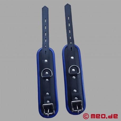 Handfesseln aus Leder – schwarz/blau – Amsterdam