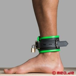 Leather ankle restraints - black/green - Amsterdam